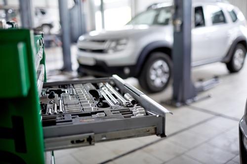 Werkstattwagen in KFZ-Werkstatt